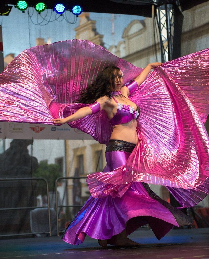 Zrcadlo umění - město tančí